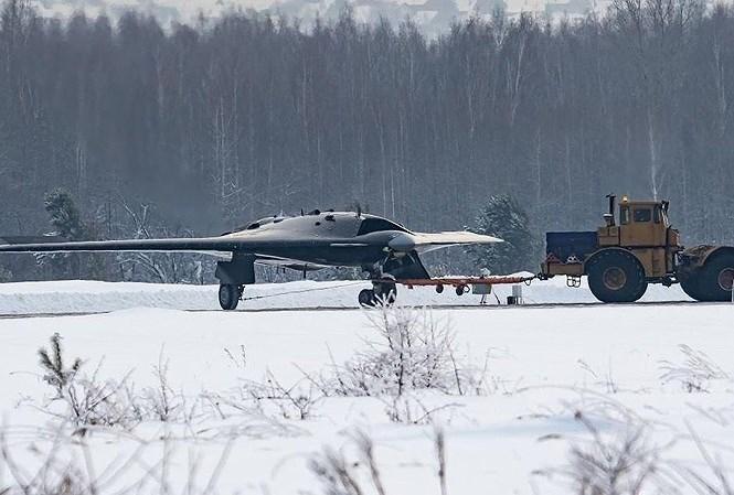 Không thể bỏ qua việc sau chuyến bay thử nghiệm, những điểm bất thường trên chiếc UCAV đình đám này của Nga đã được các chuyên gia quân sự quốc tế chỉ rõ.