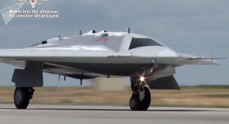 Tuy nhiên những tuyên bố to tát của Nga đang bị nghi ngờ rất nhiều, chủ yếu đến từ việc họ còn đang trầy trật hoàn thiện chiếc tiêm kích tàng hình thế hệ 5 Su-57 thì chưa thể tiến lên thế hệ 6.