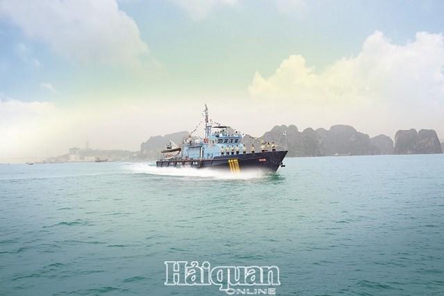 Tàu cao tốc chống buôn lậu của Hải quan làm nhiệm vụ trên vùng biển Đông Bắc Ảnh tư liệu.