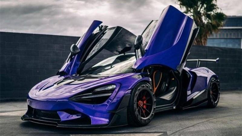 Chiếc McLaren 720S sở hữu phần thân làm hoàn toàn từ sợi carbon, động cơ xe cũng được tinh chỉnh lên 900 mã lực