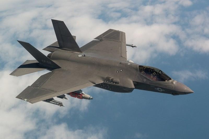 Trong sự việc vừa diễn ra, do không ở trong trạng thái chiến đấu mà chỉ sang Đức để dự triển lãm nên chiếc F-35 của Mỹ hoàn toàn không thực hiện biện pháp ngụy trang tín hiệu sóng điện từ
