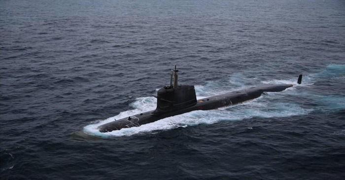 Tàu ngầm Scorpene là sản phẩm của Tập đoàn DCNS, tàu được ứng dụng những tiến bộ mới nhất trong cấu trúc module, sử dụng nhiều công nghệ đặc biệt giúp tăng khả năng tàng hình trước hệ thống định vị thủy âm đối phương.