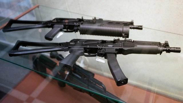 Vityaz-SN có cơ chế nạp đạn bằng phản lực bắn tương tự nhiều loại tiểu liên hiện đại khác. Do vậy súng hoàn toàn không có các ống dẫn khí như trên AKS-74U mà thay vào đó, các thành phần bên trong được làm lại cho phù hợp với hệ thống nạp đạn phản lực.