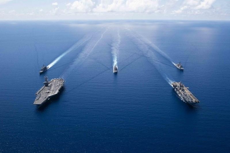 USS Ronald Reagan (CVN-76) thuộc biên chế Hạm đội 7, tàu có cảng nhà tại Yokosuka, Nhật Bản.