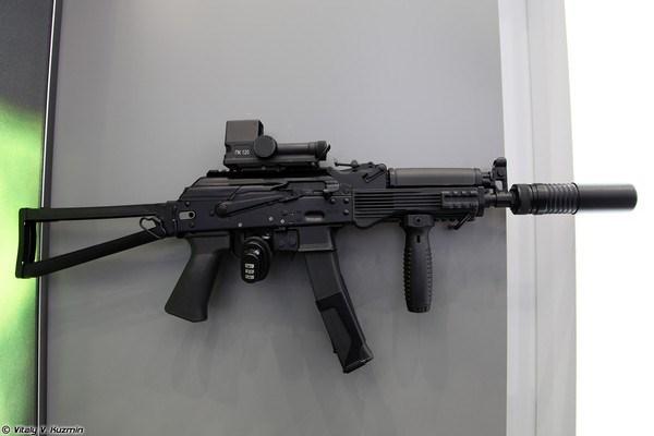 Thân súng tiểu liên Vityaz-SN được làm bằng thép để đảm bảo độ tin cậy, bên cạnh các vật liệu nhẹ và bền khác (composite cao phân tử) nhằm tăng tính cơ động.