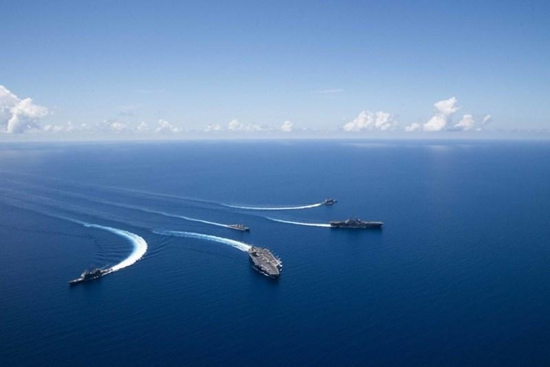 Các tàu sân bay như USS Ronald Reagan cho phép Mỹ triển khai sức mạnh trên toàn cầu và không bị giới hạn về địa lý.