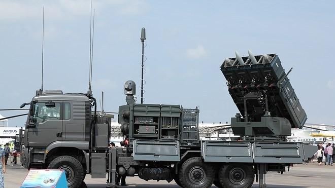 Những loại đạn tên lửa này có khả năng bay với vận tốc Mach 4, tùy từng loại đạn khác nhau mà chúng có hệ thống dẫn đường khác nhau.