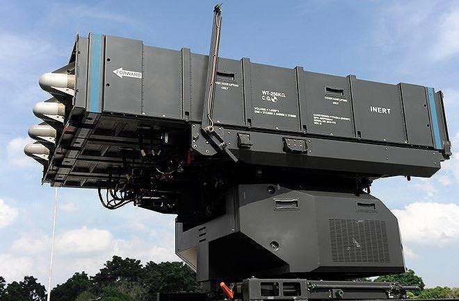 adar EL/M-2084 của hệ thống Spyder àm việc trên băng sóng S với thiết kế dạng module, ứng dụng công nghệ anten mảng pha quét điện tử chủ động (AESA), cho khả năng chống chế áp điện tử cũng như phát hiện và theo dõi đồng thời hàng chục tới hàng trăm mục tiêu bay với độ phân giải cao.
