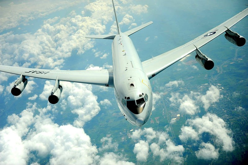 Máy bay có chiều dài 46,6m, sải cánh 44,4m, chiều cao 12,9m