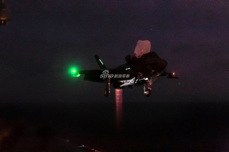 F-35B mặc dù là phiên bản bị giới hạn về tầm hoạt động cũng như tải trọng vũ khí so với F-35A hay F-35C nhưng do tàu sân bay Trung Quốc không có máy phóng nên thực chất J-15 cũng bị vướng các nhược điểm như F-35B.