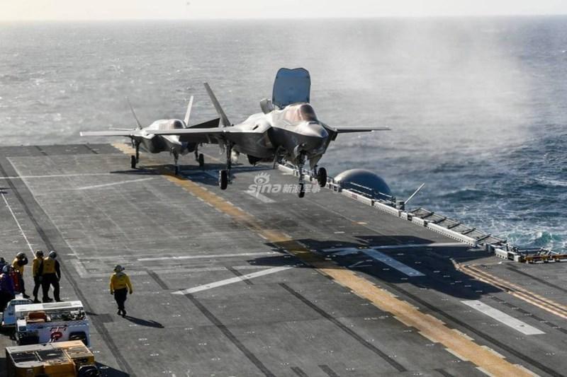 Theo đánh giá, biên đội 20 chiếc F-35B khi thực hiện chức năng tàu sân bay của chiếc USS America thừa khả năng bắn hạ toàn bộ 40 chiếc J-15 trang bị cho Liêu Ninh hay Type 002.