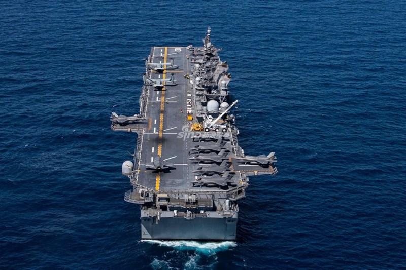Thậm chí, khi so sánh với một chiếc tàu sân bay đình đám hiện nay là Liêu Ninh (Type 001) hay cả hàng không mẫu hạm Type 002 mới đóng xong của hải quân Trung Quốc thì LHA-6 Ameria vẫn vượt trội.