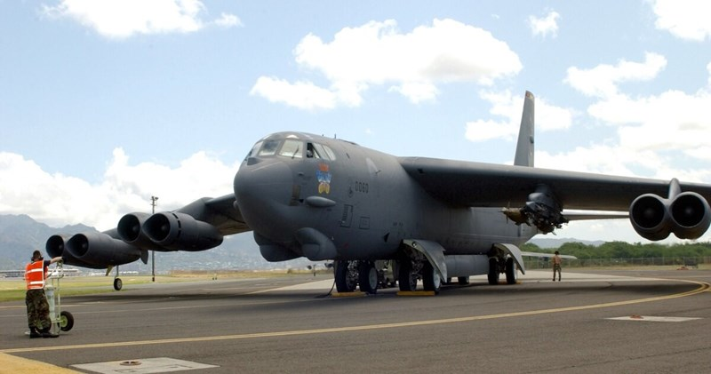 Trước tình hình trên, điện Kremlin đã tuyên bố rằng việc tái bố trí máy bay ném bom chiến lược B-52H của Mỹ tới châu Âu sẽ gây ra tình hình căng thẳng trong khu vực.
