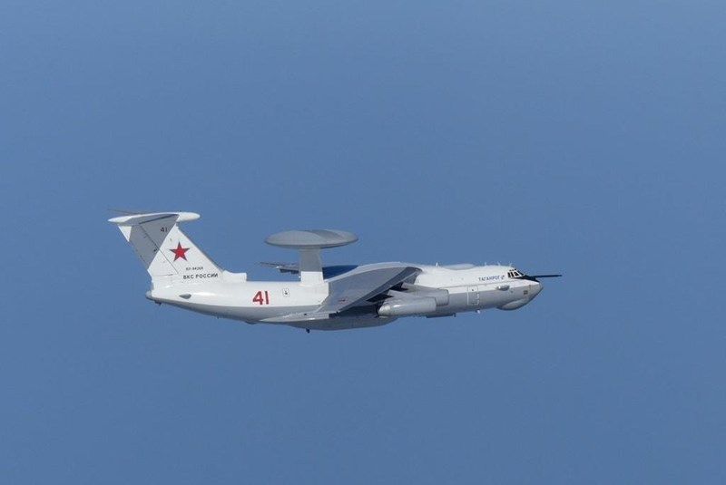 Beriev A-50 là máy bay chỉ huy và cảnh báo sớm trên không (AWACS) do Tổ hợp khoa học hàng không Beriev tại Taganrog chế tạo trên cơ sở máy bay vận tải Il-76 của Liên Xô, để thay thế cho chiếc Tupolev Tu-126 Moss.
