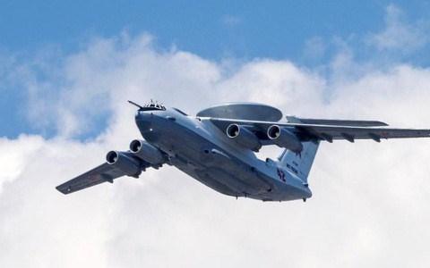 A-50U có chiều dài 46,5m, sải cánh 50,5m, chiều cao 14,7m, khối lượng rỗng 75 tấn, khối lượng cất cánh tối đa 170 tấn.