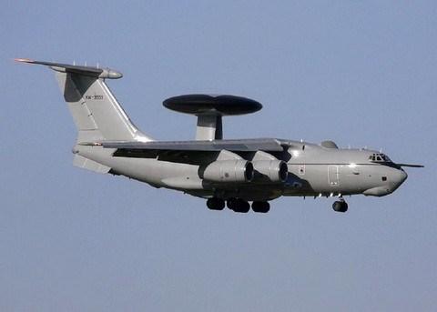 A-50U của Nga có thể phát hiện các phi cơ chiến đấu từ khoảng cách 650 km, mục tiêu dưới mặt đất hoặc trên biển cách 300 km và tên lửa hành trình ở cự ly 215 km.