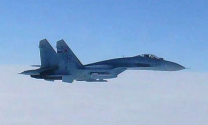 Cần lưu ý rằng vào hôm 23-7, một chiếc A-50 của Nga đã 2 lần xâm phạm không phận Hàn Quốc ở nhóm đảo Dokdo/Takeshima đang tranh chấp với Nhật Bản, buộc tiêm kích Hàn Quốc bắn hơn 300 phát pháo 20 mm cảnh cáo.
