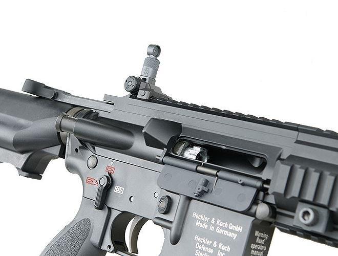 Được biết, bên cạnh khẩu HK416, Mỹ đã cân nhắc chọn súng FN SCAR do Bỉ sản xuất để trang bị cho lực lượng Delta Force của mình.