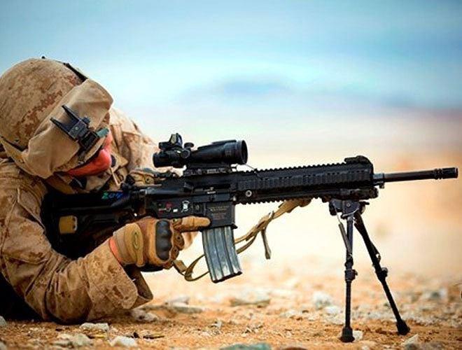 Do được phát triển dựa trên AR-15 nên súng HK416 có ngoại hình khá giống M4 và M16 của Mỹ. Điều này giúp các binh sĩ đặc nhiệm có cảm giác quen thuộc khi sử dụng vũ khí mới.