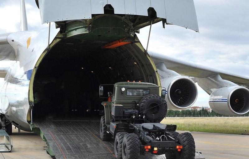 Ông Erdogan không tiết lộ lý do cho việc này, tuy nhiên Tổng thống Thổ Nhĩ Kỳ lưu ý rằng S-400 của Nga nhiều khả năng sẽ được thay thế bởi các hệ thống Patriot PAC 3 của Mỹ, nhưng chỉ với điều kiện Washington cung cấp ưu đãi đủ tạo ra lợi thế.