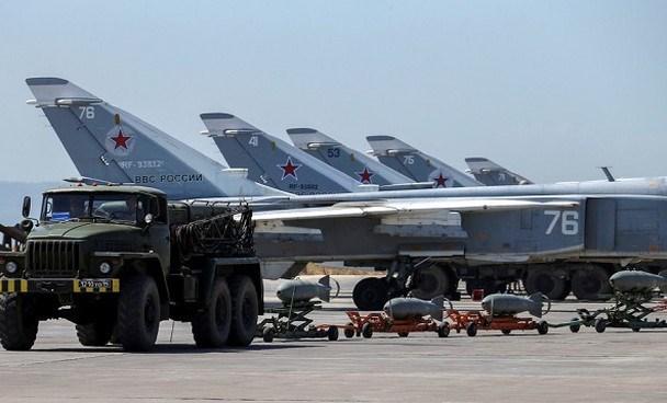 Chưa dừng lại ở đây, Nga còn tiến hành cải tạo và mở rộng đường bay sân bay Hmeimim, cho phép căn cứ này tiếp nhận được cả máy bay vận tải siêu nặng cỡ An-124.