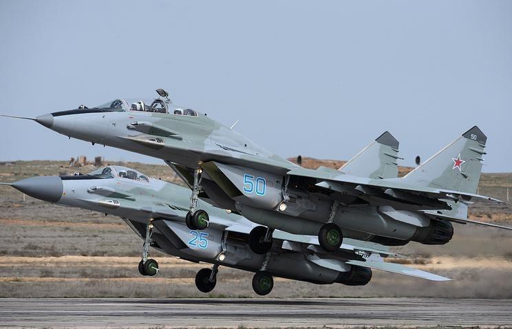 Trong số những tiêm kích Nga bị Mỹ liệt vào danh sách tồi tệ hơn cả MiG-29 và Su-27 thì cái tên được nhắc đến nhiều nhất chính là chiến đấu cơ tàng hình thế hệ 5 Su-57.