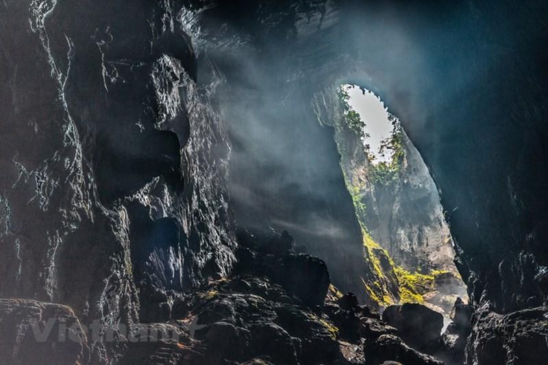 Sương mờ ảo diệu trong Hang Sơn Đoòng. (Nguồn: Oxalis Adventures)