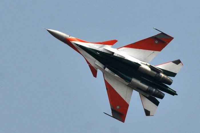 Khi xuất hiện thông tin như vậy, có ý kiến cho rằng tiêm kích thế hệ thứ năm của Trung Quốc bị phát hiện do thực tế là radar được lắp đặt trên máy bay chiến đấu Nga khác với loại được phát triển để bảo vệ khả năng tàng hình của J-20.