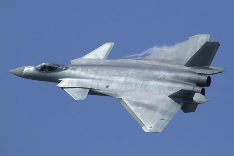 Theo báo cáo phương tiện truyền thông, trong một chuyến bay huấn luyện, phi hành đoàn của tiêm kích Su-30MKI thuộc không quân Ấn Độ bất ngờ tìm thấy một chiếc J-20 của Trung Quốc trên màn hình radar.