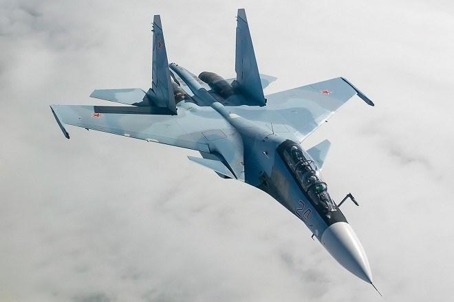 Mặc dù vậy phải nhìn nhận thực tế rằng trong các cuộc luyện tập, tương tự như tiêm kích F-22 và F-35, J-20 cũng đeo thiết bị Luneburg Lens để che giấu diện tích phản xạ radar thực.