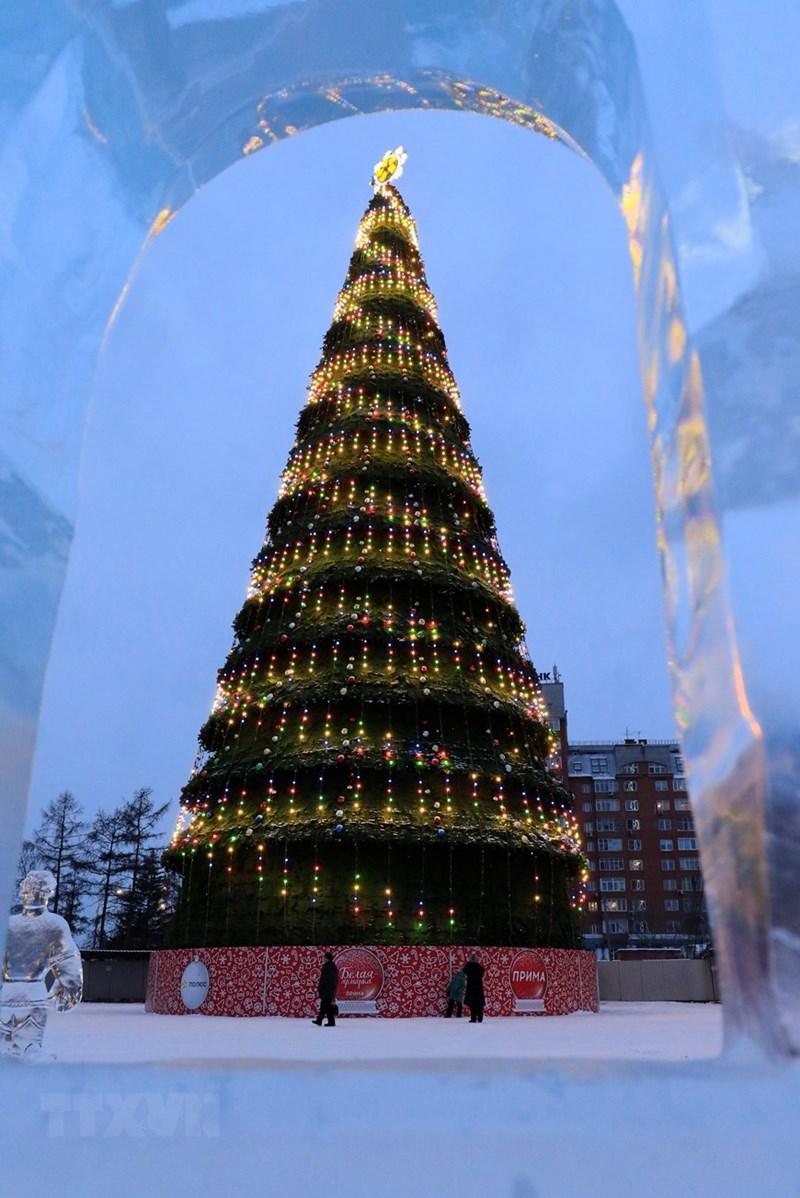 Băng đá và cây thông chào đón Giáng sinh và Năm mới là nét đặc trưng của vùng Sberia. (Ảnh: Trần Hiếu/TTXVN)