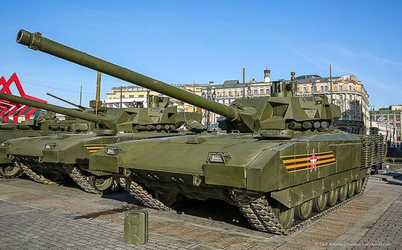 Nhưng mới đây Thứ trưởng Bộ Quốc phòng Nga, cựu giám đốc điều hành tập đoàn Kalashnikov Concern, ông Alexei Krivoruchko vừa cho biết, quá trình phát triển phương tiện chiến đấu trên khung gầm Armata tiếp tục bị trì hoãn.