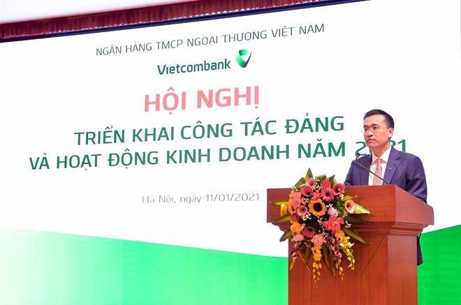 Ông Phạm Quang Dũng – Tổng Giám đốc Vietcombank nhấn mạnh: Năm 2020, Vietcombank cần tập trung thực hiện5 đột phá chiến lượcvà3 trọng tâm,quan trọng nhất là đảm bảo mục tiêu dẫn đầu chuyển đổi số trong hoạt động ngân hàng.