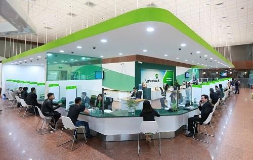 Năm 2018, Vietcombank được công nhận là tổ chức tín dụng đầu tiên của Việt Nam đáp ứng chuẩn mực quản trị rủi ro theo Basel 2, sớm hơn 1 năm so với quy định