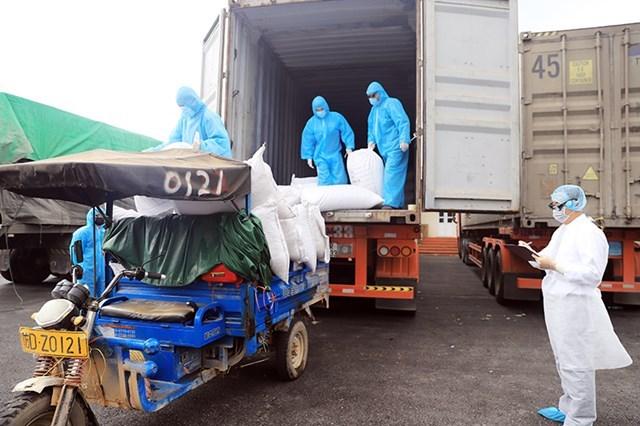 Hoạt động thương mại tại Cửa khẩu Hoành mô đảm bảo phòng, chống dịch COVID-19.