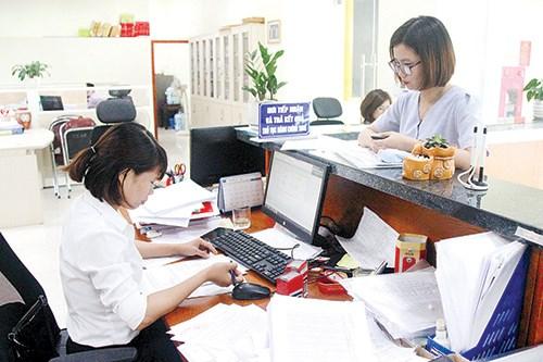 Người nộp thuế làm thủ tục thuế tại Bộ phận một cửa Cục Thuế Bắc Ninh