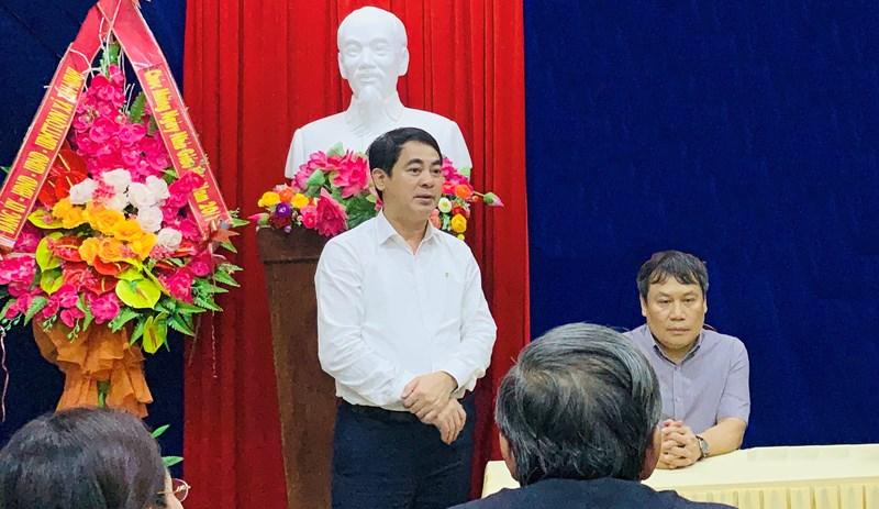 Ông Nghiêm Xuân Thành cùng Đoàn công tác thăm hỏi các cán bộ, chiến sỹ Sở chỉ huy tiền phương tìm kiếm cứu hộ, cứu nạn