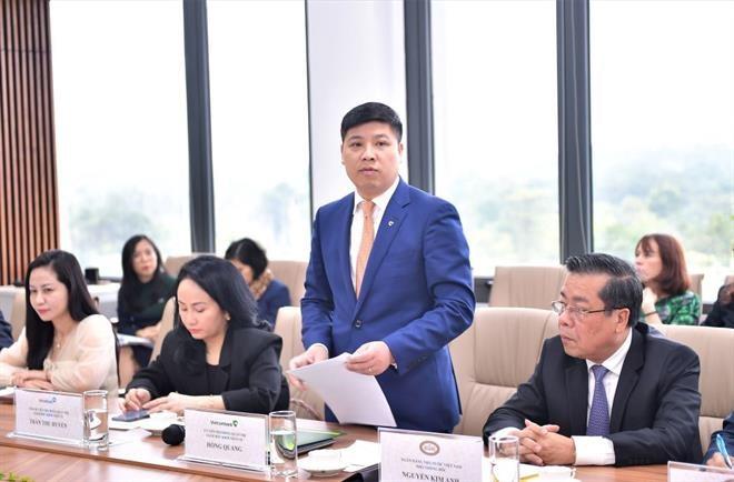 Ông Hồng Quang – Thành viên HĐQT kiêm Giám đốc Khối Nhân sự Vietcombank phát biểu tại Tọa đàm