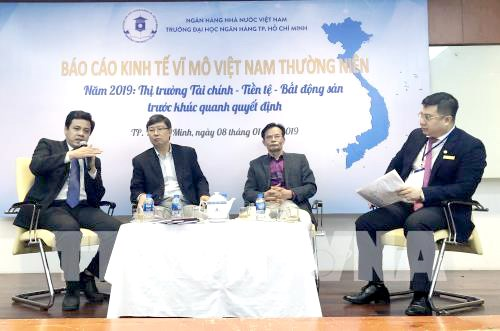 Các chuyên gia thảo luận về động lực phát triển kinh tế Việt Nam giai đoạn 2019-2020.