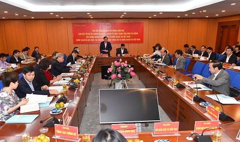Đại diện lãnh đạo các bộ, ngành Trung ương và Ủy ban Kinh tế của Quốc hội tham dự buổi làm việc.
