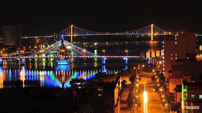 Sông Hàn, khu du lịch về đêm của Đà Nẵng.