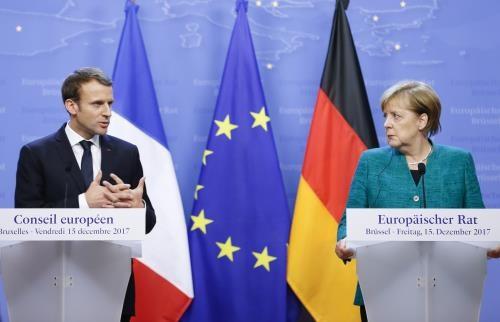 Tổng thống Pháp Emmanuel Macron vàThủ tướng Đức Angela Merkel.