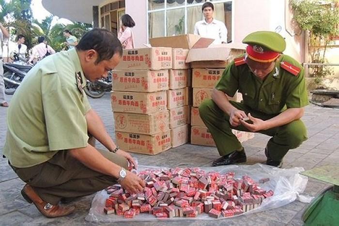 Cần xử lý nghiêm hành vi buôn bán, tàng trữ pháo nổ trái phép.