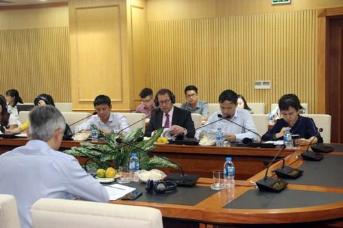 Các đại biểu quốc tế tham dự buổi tọa đàm.