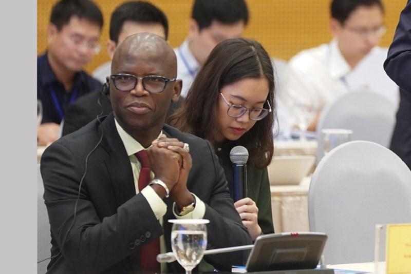 Giám đốc Quốc gia WB tại Việt Nam Ousmane Dione tạiHội nghị Thủ tướng Chính phủ với doanh nghiệp.
