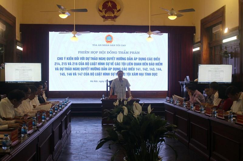 Bí thư Trung ương Đảng, Chánh án TANDTC Nguyễn Hòa Bình chủ trì phiên họp.