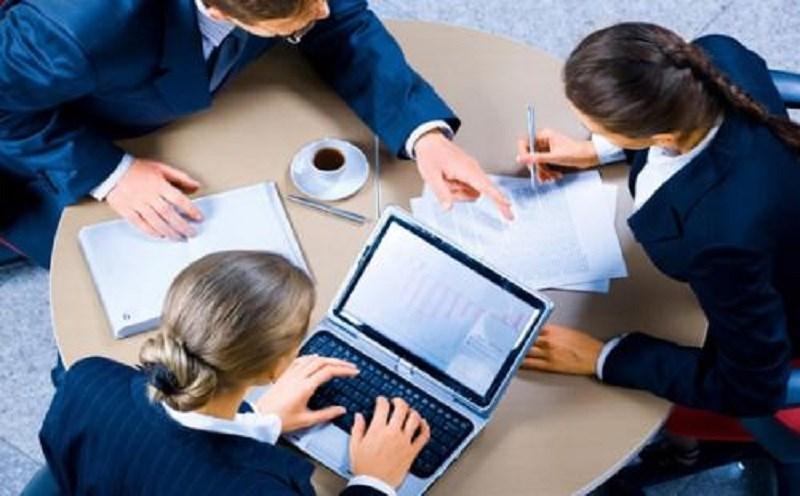 Kế toán nội bộ trong doanh nghiệp có nhiệm vụ tập hợp tất cả các phát sinh thực tế.