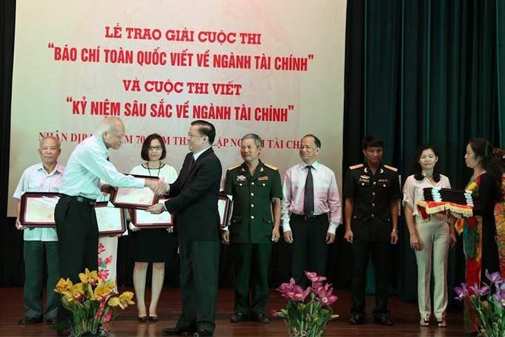 Bộ trưởng Đinh Tiến Dũng luôn đặc biệt quan tâm đến công tác thông tin, tuyên truyền của ngành Tài chính.