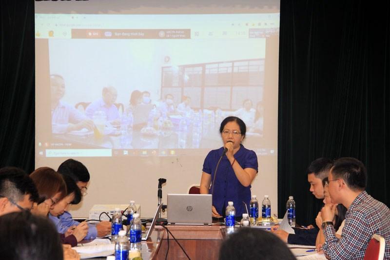 Bà Hà Thị Ngọc Hà - Phó Chủ tịch phụ trách chuyên môn VACPA, phát biểu khai mạc phiên họp thảo luận, soạn thảo CMKiT (trực tuyến) năm 2020 lần thứ nhất.