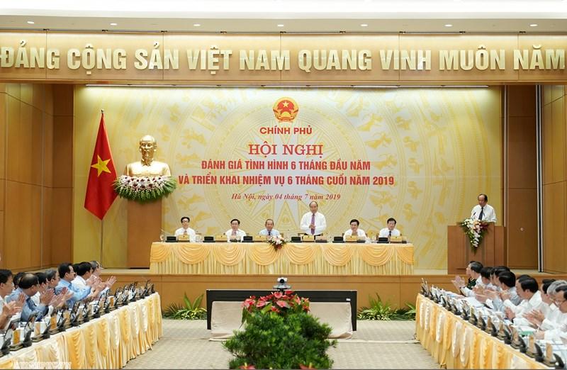 Phiên họp trực truyến ngày 4/7/2019 của Chính phủ với 63 tỉnh, thành trong cả nước.